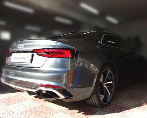 Applicazione pellicola protettiva trasparente su Audi RS5