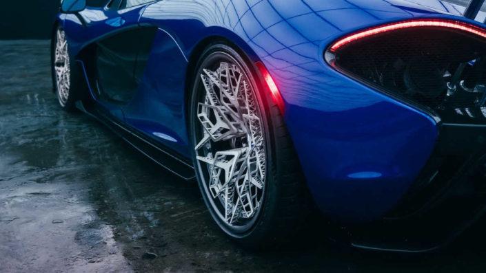 HRE presenta i primi cerchi per auto al titanio stampati in 3D